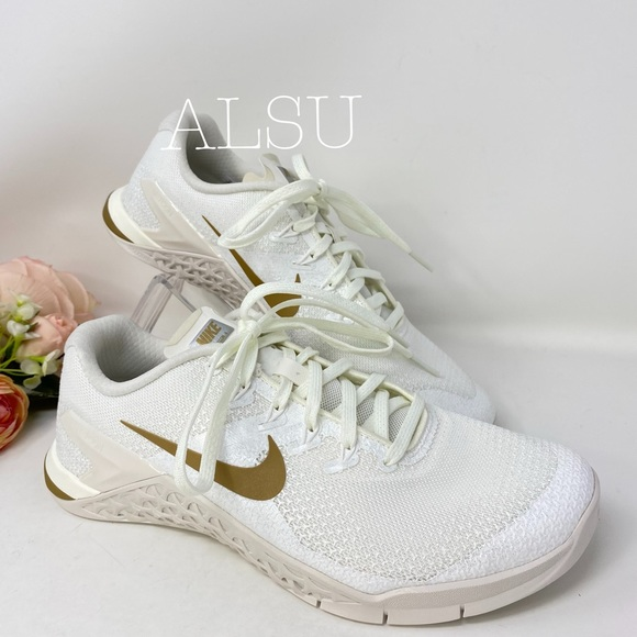 Nike Shoes   Nwt Metcon 4 Chmp Sail